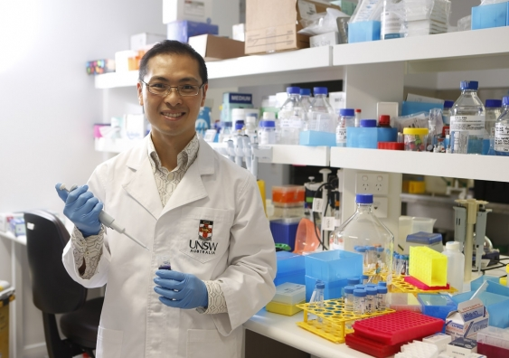 dr_jason_wong_group_leader_of_bioinformatics_and_integrative_genomics_at_unsws_lowy_cancer_research_centre_3_1.jpg