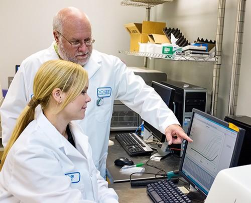 1513SIDT28Jul IDT scientists Kristin Beltz and Dr Scott Rose.jpg